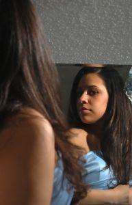 626543_broken_mirror